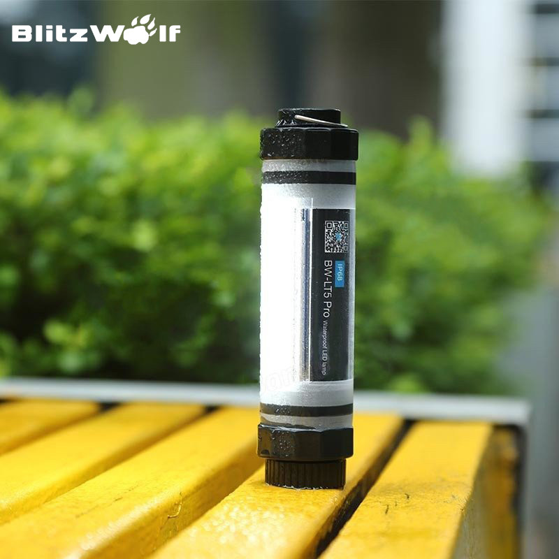 BlitzWolf-BW-LT5-Pro-3350mAh-IP68-Waterproof-With-LED-Light-Power-Bank-Emergency-Lantern-Charger-External-2